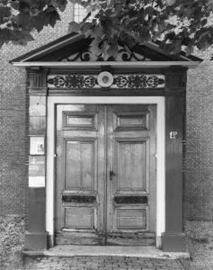 ingang Remonstrantse kerk Oude Wetering